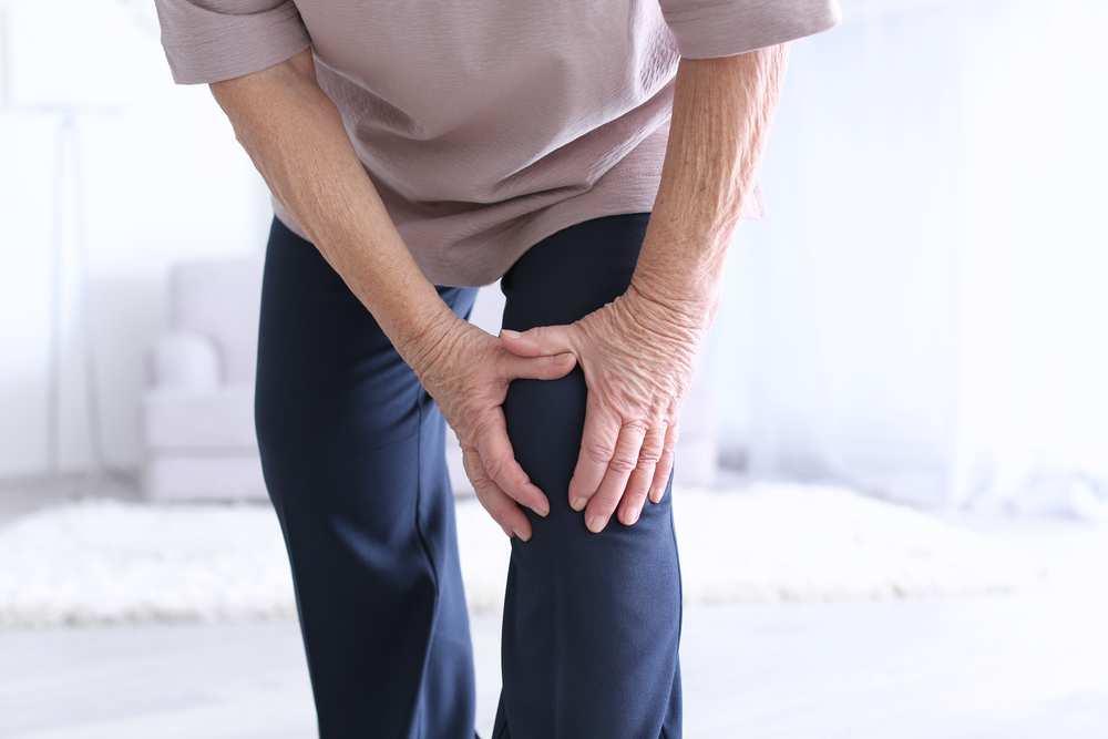 Totul despre artrita genunchiului - Simptome, tipuri, tratament   fotolii-canapele.ro