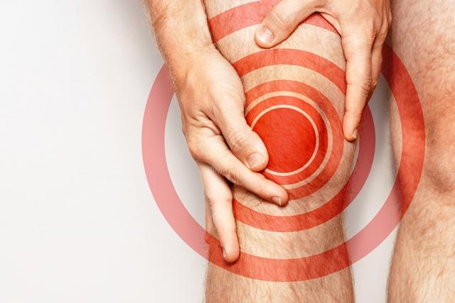 de ce rănesc articulațiile pe coate și genunchi