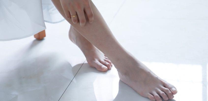 Umflarea gleznei fără durere provoacă tratament