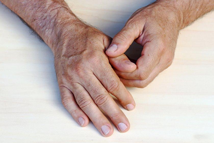 inflamația articulației pe simptomele degetului tratamentul umerilor bolilor articulare