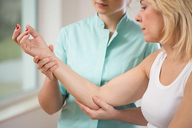 strângerea articulațiilor și tratamentul dureri de cot, dar nu articulare