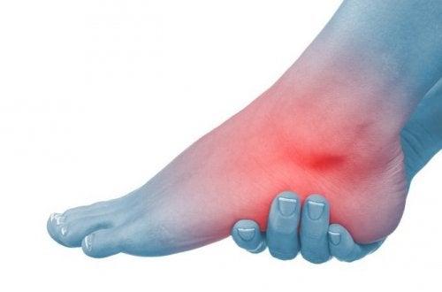 durerea articulară determină gâtul artrita la picior cum se tratează