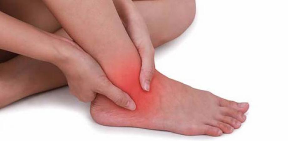 articulațiile umflate ale gleznei picioarelor