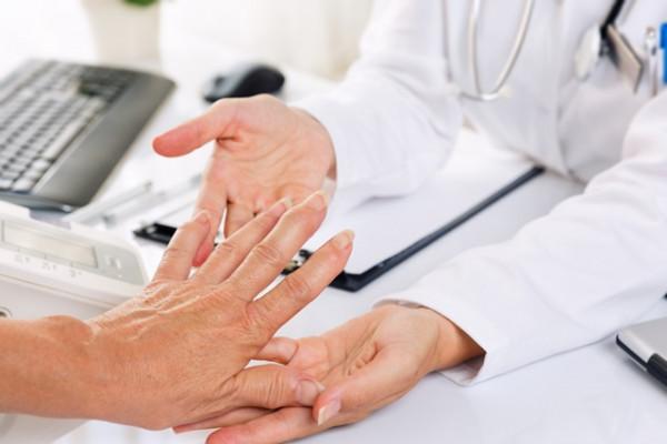 cum să tratezi artrita încheieturii în faza acută
