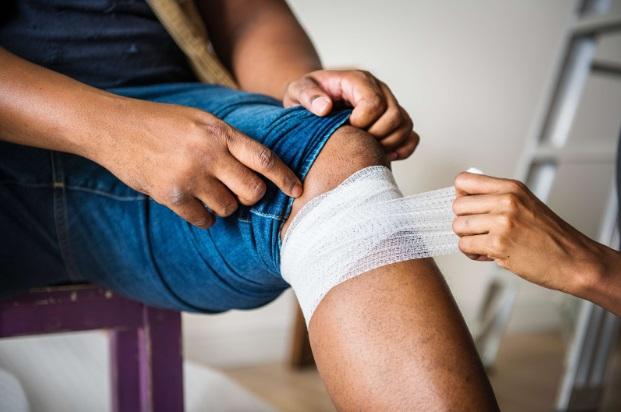 cum să tratezi un genunchi după o accidentare tratamentul simptomelor bolilor articulare